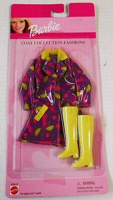 Barbie Coat Collection Fashions Raincoat and Boots 68696-92 (NEW)