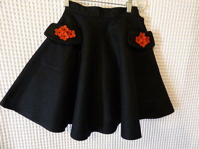FAB 50s Girls black felt FULL skirt w/red floral detail 22-23 waist