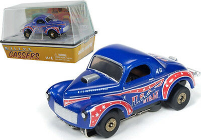 Auto World R14 1941 Willys Coupe Gasser USA Willy (Blue/Red) Slot Car HO / 1:64