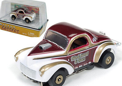 Auto World R14 1941 Willys Coupe Gasser Speed Blood Sweat & Fears Slot Car HO