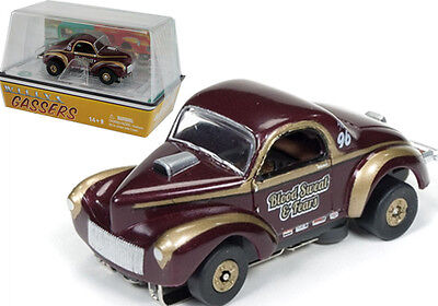 Auto World R14 1941 Willys Coupe Gasser Speed Blood,Sweat & Fears Slot Car HO