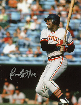 Tigers  Ron LeFlore signed 8x10 pose 4 with w/COA