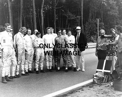 1971 STEVE McQUEEN WITH FELLOW LEMANS RACERS MOVIE FILM CAMERA AUTO RACING PHOTO