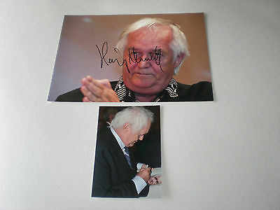 Henning Mankell signed autograph Autogramm 8x11 inch photo in person