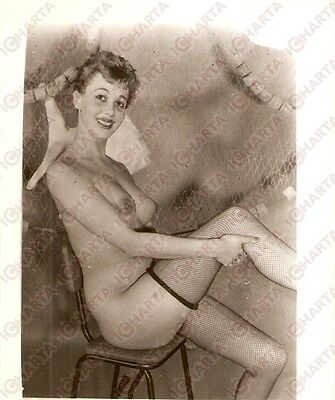 1950 ca USA EROTICA VINTAGE Naked girl with fishnet and fishnet stockings *PHOTO