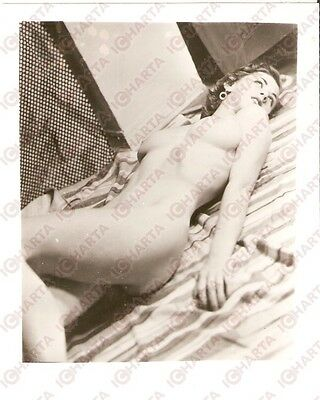1950 ca USA - EROTICA VINTAGE Naked girl lying on the floor *PHOTO