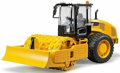 Bruder Toys Cat Vibratory Soil Compactor with levelling Blade 02451 NEW