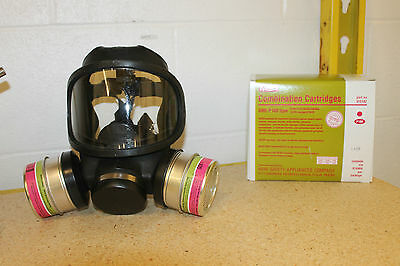 Msa Ultravue Full Face Gas Mask  W/ 2 Gme-P100 Filters New!! Large