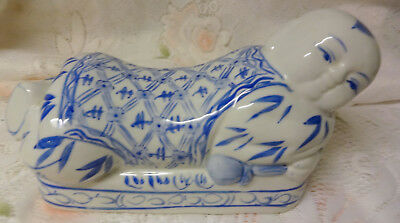Old Chinese Brush Rest Blue Wihte Pottery Glazed Bamboo Decoration Buddha