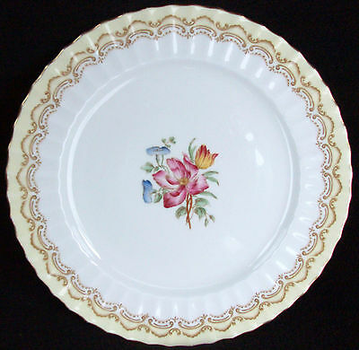 Royal Worcester Made In England Cromwell #Z1718 Dinner Plate 10 1/2""