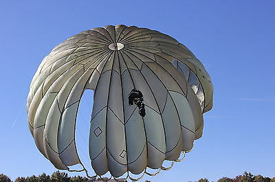 1966 Military Personnel Backpack Parachute Assembly with MC-1 Green Canopy USAF