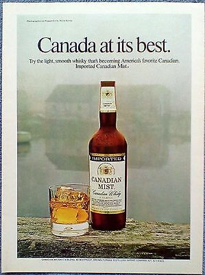 1972 Canadian Mist Whisky Wood Fence Building Misty Fog Canada At Its Best ad