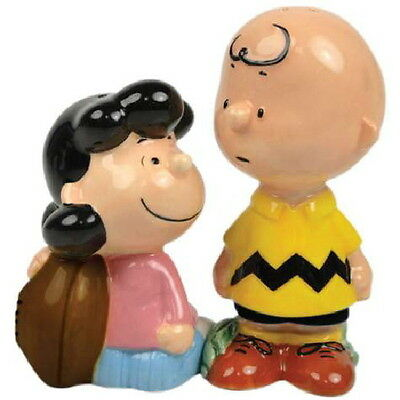 Peanuts Lucy & Charlie Brown w/ Football Ceramic Salt & Pepper Shakers Set BOXED