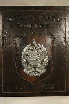 British Leeds City Police Constabulary Retirement Plaque with Badge