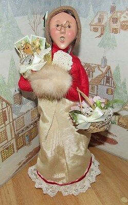 BYERS CHOICE Victorian Woman w Hand Muff Candy Cone Basket Flower 1997 58/100*