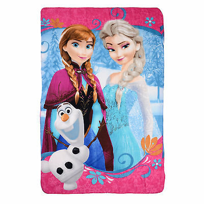 Gorgeous Disney Frozen Fleece Blanket Featuring Anna Elsa and Olaf
