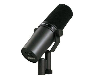 Shure SM7B Broadcast Dynamic Vocal Microphone with windshield
