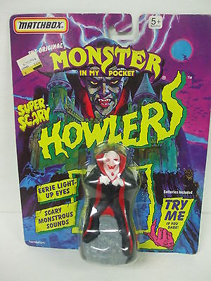 RARE Matchbox MONSTER IN MY POCKET - Vampire Dracula Howlers - Mint on Card