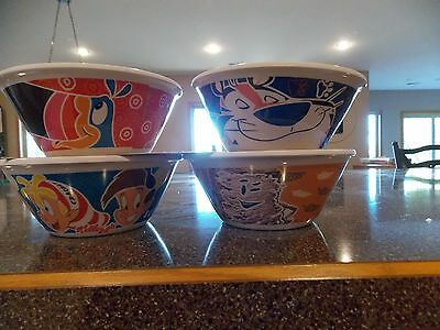 2016 Set Of 4 Glow In  Dark Kelloggs Cereal Bowls Collectible New Collectible!!