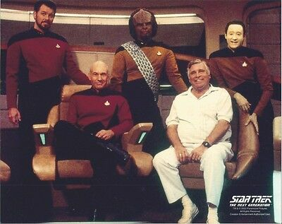 Star Trek The Next Generation Crew on Bridge with Rodenberry 8 x 10 Photo
