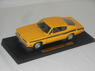 Road Legends - Metallmodell - Plymouth Barracuda 1969 - 1:18 -