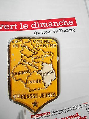 French metal regional AWARD YELLOW DOG Plaque Sign