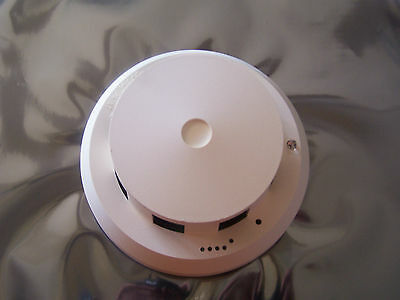 Siemens (Cerberus Pyrotronics) Id-60P Smoke Detector (41 Available)