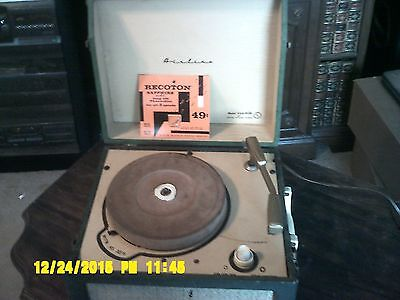 Vintage ~ Airline Record Player ~ Model GAA-953B ~ Parts or Repair Great Buy!!