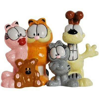 Garfield the Cat and Friends Ceramic Salt and Pepper Shakers Set, NEW UNUSED