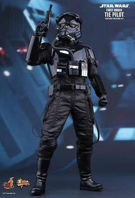 """Sideshow Hot Toys 1/6 12"""" MMS324 Star Wars First Order Tie Pilot Figure"""