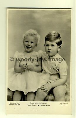 q1857 - A Young Prince Charles & Cheeky Princess Anne- postcard