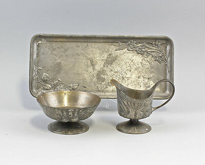 Cream & Sugar Set Tin with Tray Thistle Decoration um 1900 25433079