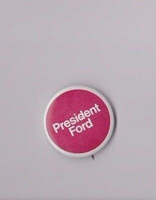 """1970's President Ford Gerald Ford 1 1/2"""" Red Presidential Campaign Button"""
