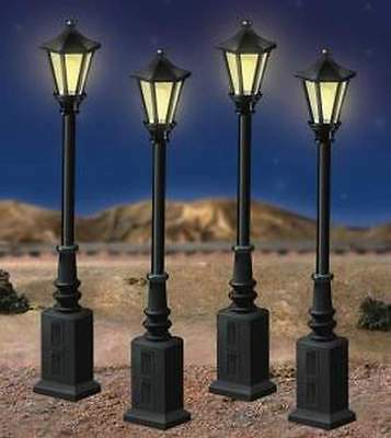 LIONEL 6-24156 LIONELVILLE STREET LAMPS O GAUGE 4/Box