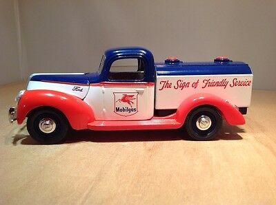MOBIL GAS 1940 FORD TANKER DIE CAST COIN BANK by LIBERTY CLASSICS
