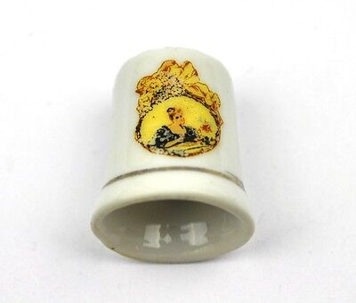 Coca Cola Coke USA Porzellan Fingerhut Porcelain Thimble 1970 - Lady gelb