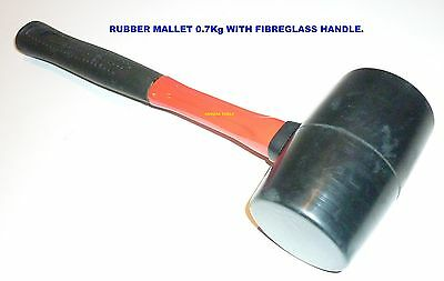 RUBBER MALLET 7OOg WITH FIBREGLASS HANDLE- NEW.