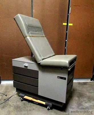 RITTER Midmark 104 PATIENT EXAM TABLE TATOO GYNECOLOGY EXAM TABLE w/ MANUAL