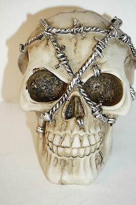 Skull Barbed wire head Witch Figurine Gothic skeleton head gift Gothic 12cm