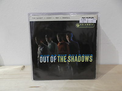 """THE SHADOWS Out of the shadows  7"""" EP  EX-/EX+ PRIMA STAMPA UK"""