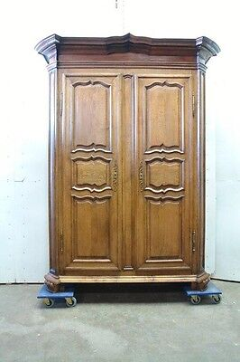 5509003 : Large Antique French Country Normandy Oak 2 Door Armoire Wardrobe