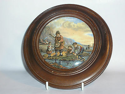 PRATTWARE POT LID IN WOOD SURROUND ( Family Fishing )