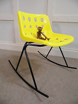 Stylish Vintage Retro Robin day HILLE plastic Rocking chair Alpha Base 70s 80s