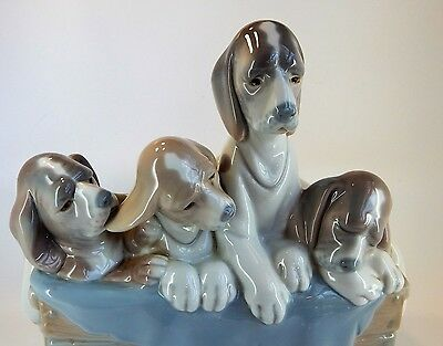 LLADRO PUPPIES - Dogs In Basket model # 01011121, Juan Huerta, Large Figurine