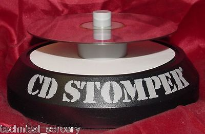 "Avery ""cd Stomper"" Cd/dvd Label Applicator (New Genuine Original) Free Shipping!"