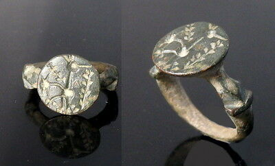 Medieval Byzantine Bronze Ring Depicting Crested Bird  (K431)