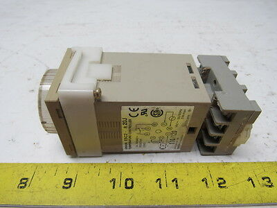 Omron E5C2-R20J DIN-sized (48 x 48 mm) Temperature Controller W/Analog Setting