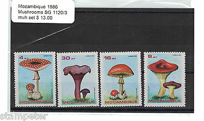 1986 Mozambique Mushrooms SG 1120/3 MUH Set of 4