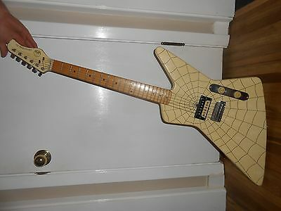 Vintage HONDO deluxe series 781 electric guitar with awesome spiderweb Design