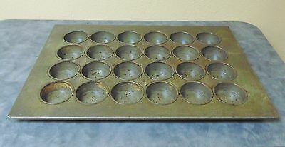 Muffin Pans 24Cups Chicago Metallic 525D Large Crown Muffin Pan 24 Cups